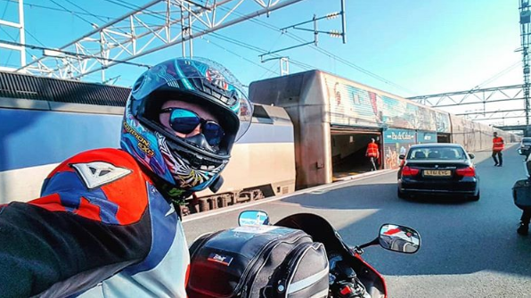 Moto, cruzar canal de la mancha en moto, cruzar Eurotúnel o Eurotunnel en moto.